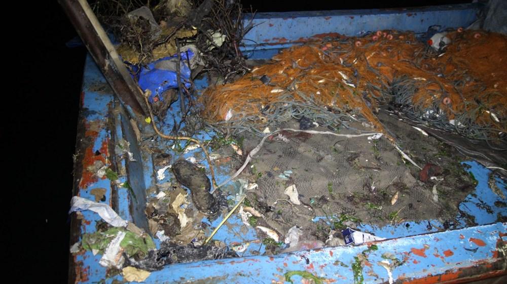 Rize'de balık için denize çıkan balıkçılar, çöp dolu ağlarla dönüyor - 2