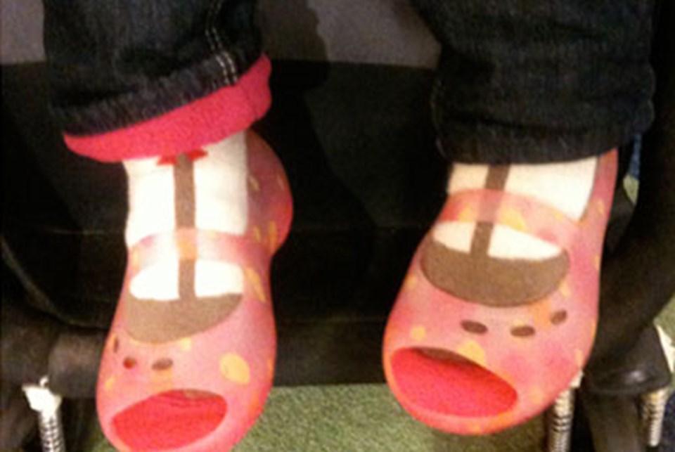 Ladin için kışlık ayakkabı almaya gidip 3 numara büyük yazlık ayakkabılarla eve dönerken