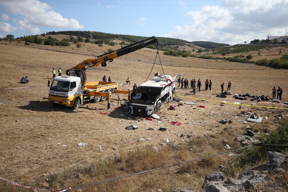 Balıkesir'de yolcu otobüsü devrildi: 15 kişi hayatını kaybetti - 29