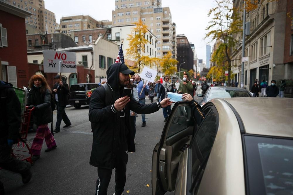 New York'ta karantina karşıtları maske yaktı - 11