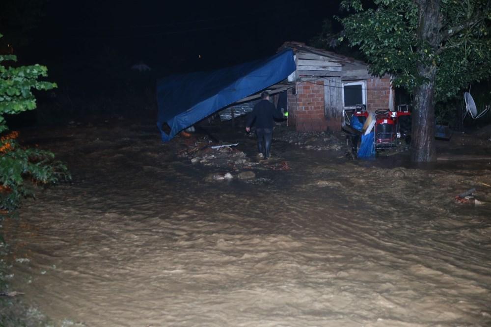 Düzce'de dere taştı, yol çöktü: Kentte sağanak etkili oldu - 15