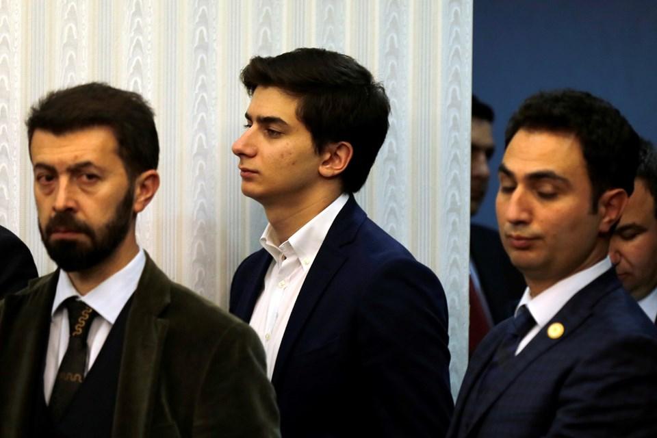 Başbakan Davutoğlu'nun basın toplantısını oğlu Mehmet Davutoğlu da izledi.
