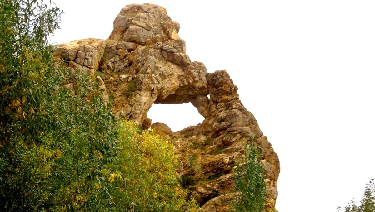 Hakkari'nin 'Düşünen Maymun' kayaları şaşırtıyor