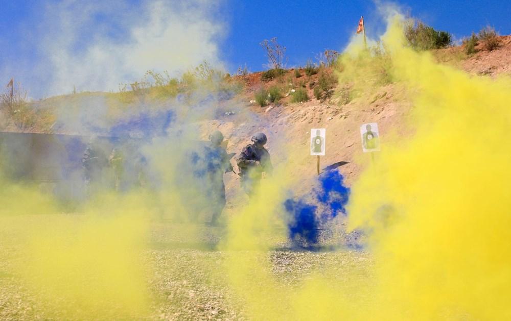 Özel Harekat'tan 35 derece sıcakta zorlu eğitim: Yerli silah 'Çılgın kız' dikkat çekti - 17