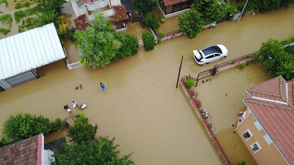 İstanbul'da sağanak yağış: Evler su altında kaldı - 3