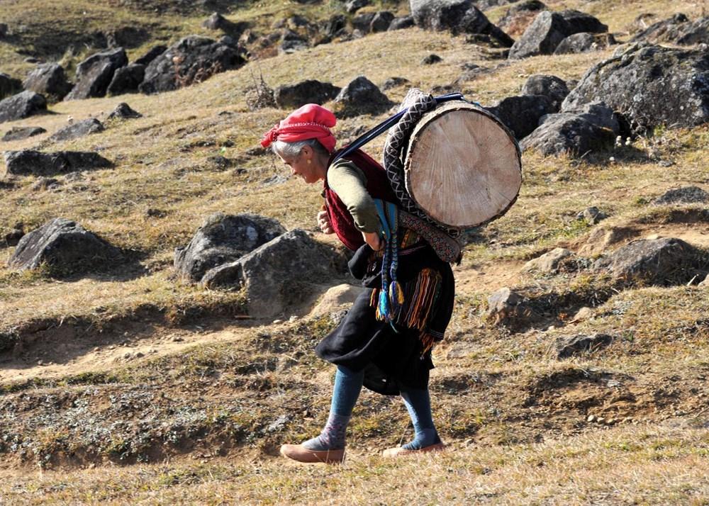 Karadeniz'in çalışkan kadınları: Köy toplansa evde tutamaz - 3