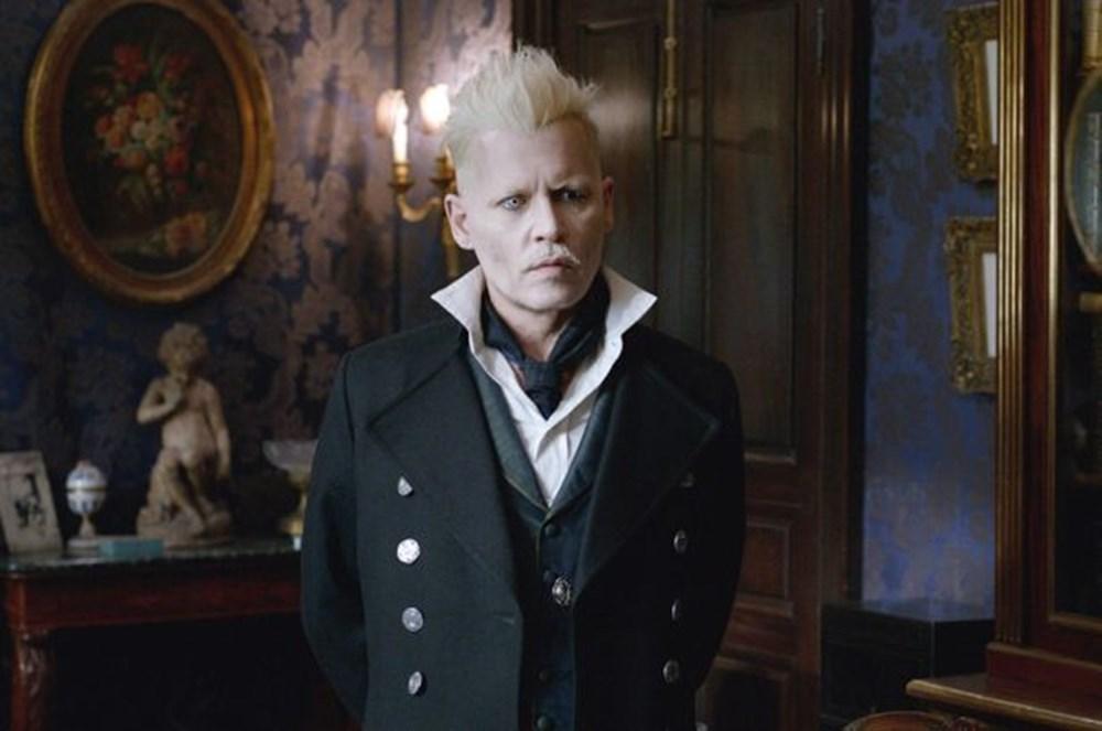 Johnny Depp Fantastic Beasts filminden kovuldu ama yine de 10 milyon dolar alacak - 4