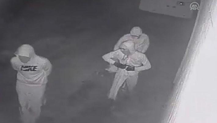 Aydın'da tanınmamak için etek giyen 3 hırsız yakalandı