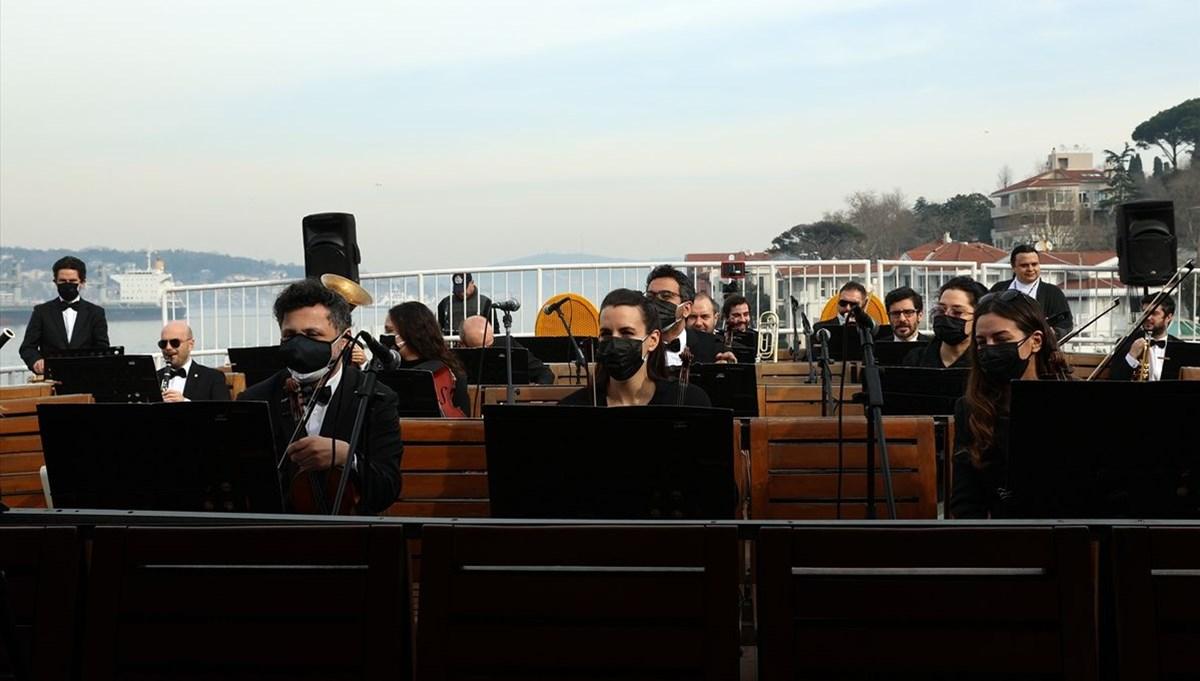 Barış Manço Vapuru senfonik orkestrayla yol aldı