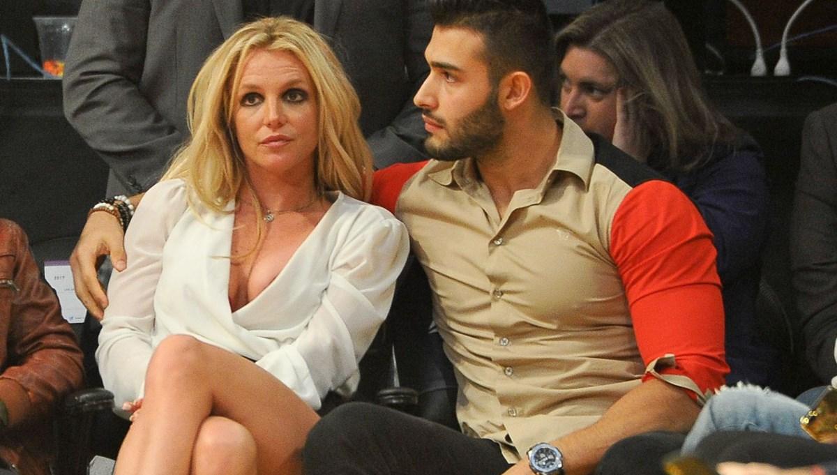 Britney Spears ile Sam Asghari nişanlandı