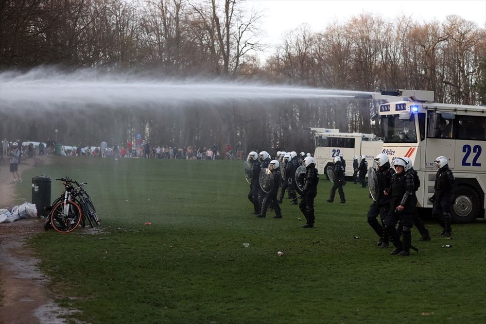 Police intervened when the festival, which was announced as April 1 joke in Belgium, turned into reality - 5