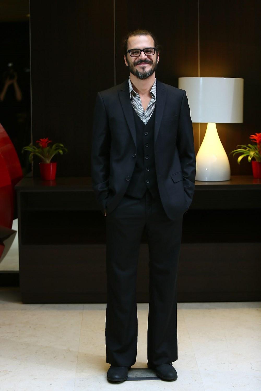 Mehmet Günsür, İtalyan dizisinin kadrosuna katıldı - 4