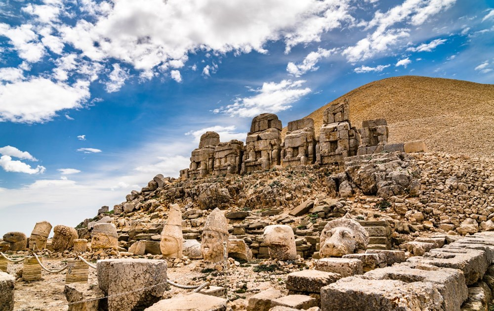 Kralların ve tanrıların taşlaştığı yer Nemrut - 9