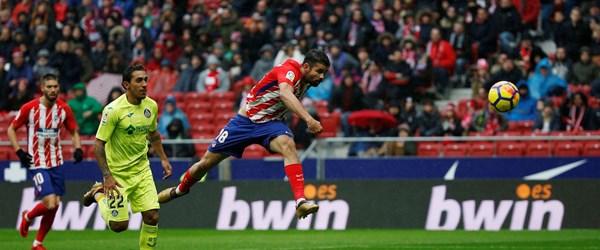 Diego Costa ilk maçında hem gol attı, hem kırmızı kart gördü