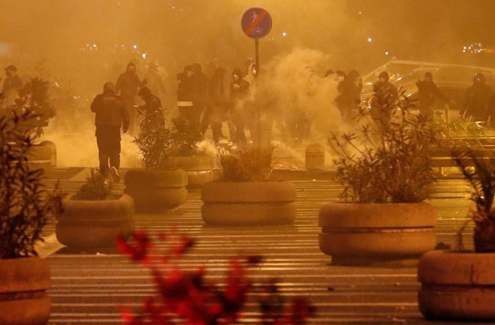 İtalya'nın Napoli kentinde sokağa çıkma yasağı olaylı başladı - 3