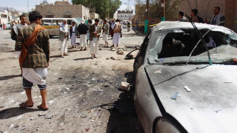 Yemen'de Şiilere ait iki camiye cuma namazı intihar saldırısı düzenlendi.