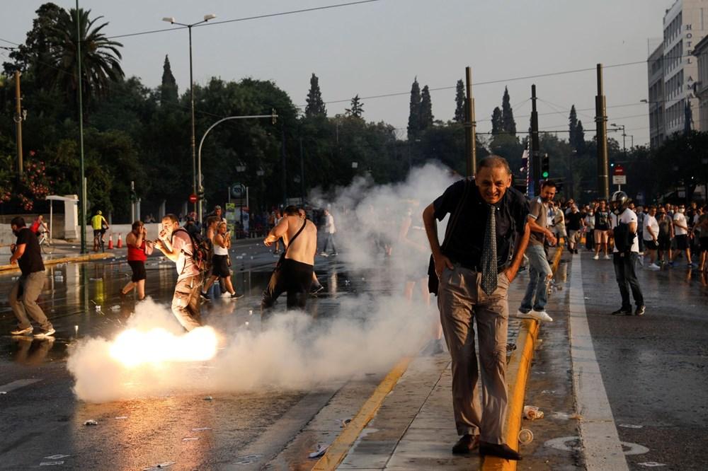 Yunanistan'da aşı karşıtları polisle çatıştı - 5