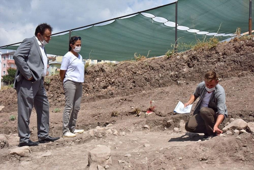 Bilecik'teki Batı Anadolu'nun en eski ergen iskeleti bulundu - 2