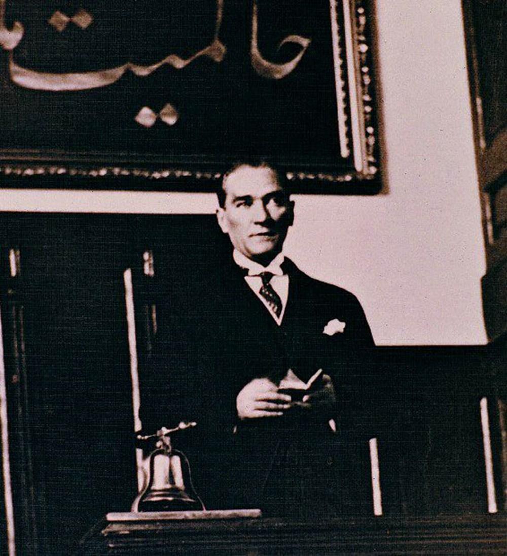 Mustafa Kemal Atatürk'ün ebediyete intikalinin 82. yılı (10 Kasım 1938) - 12