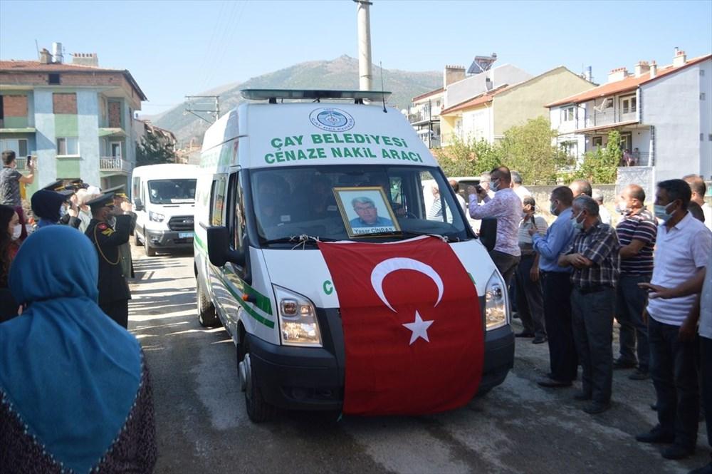 Manavgat'taki yangında ölen orman işçisi babasını cübbesiyle uğurladı - 12