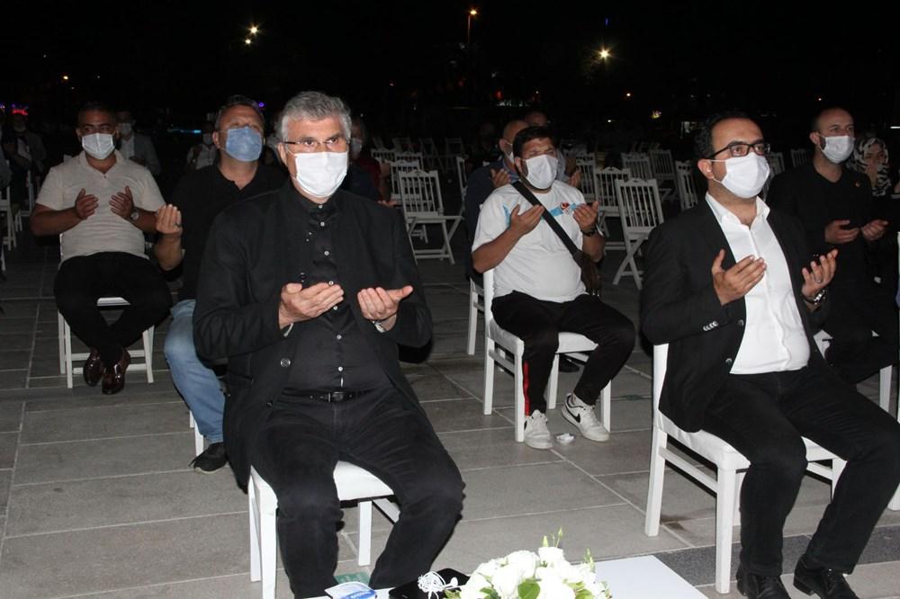 17 Ağustos depreminin 21. yılı: Hayatını kaybedenler törenle anıldı - 2