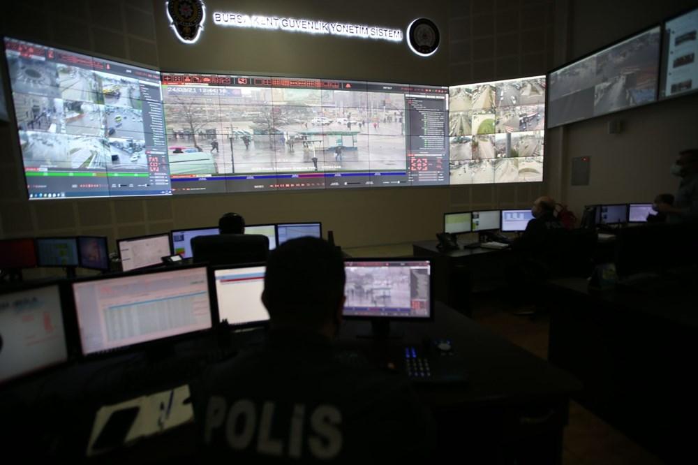 Bursa'da maske takmayanlar kameradan tespit edilip uyarılıyor - 7