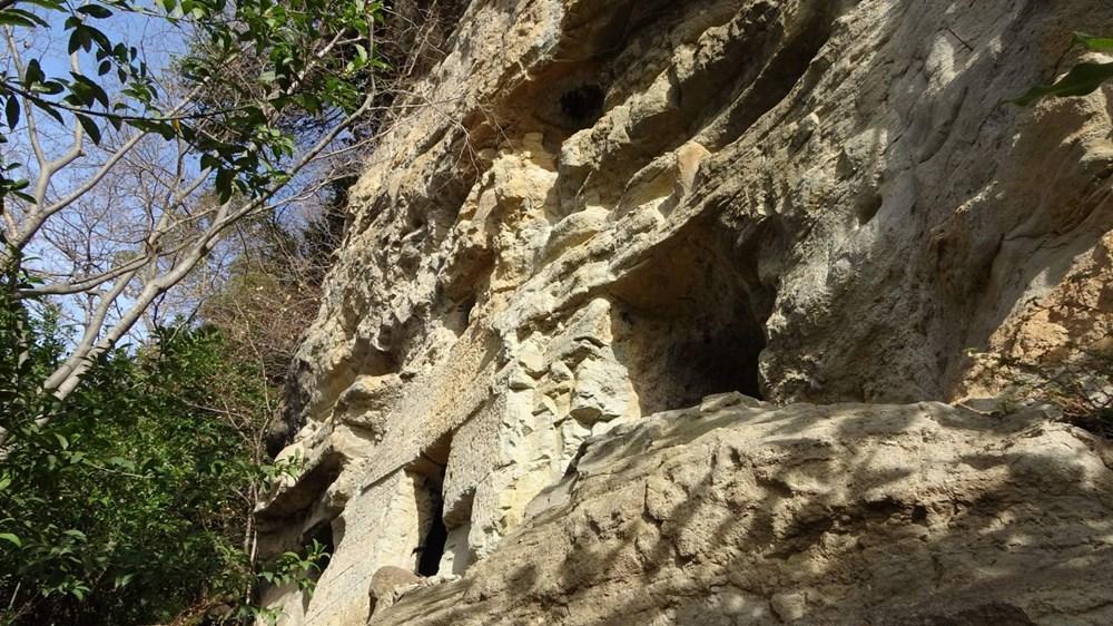 Kayalar oyularak yapılan Pedromida Kilisesi definecilerin hedefi haline geldi - 8