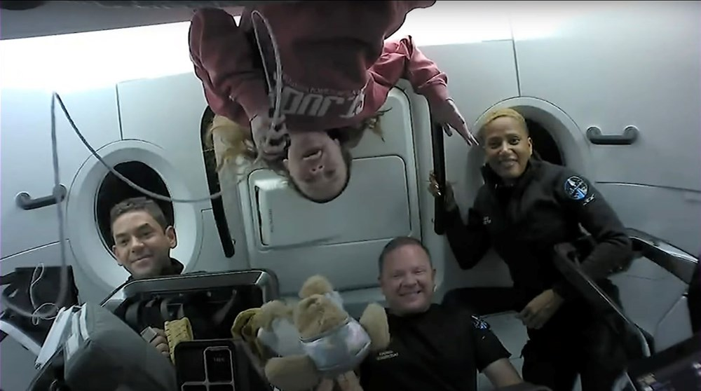 Uzay turistleri döndü - 6