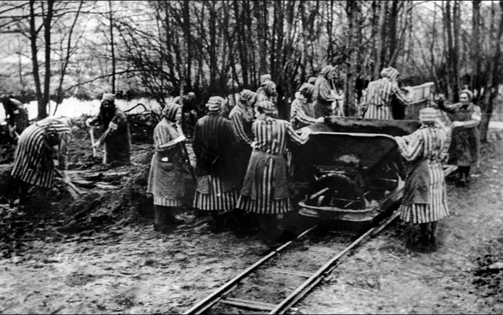 Ravensbrück Toplama Kampı: Sıradan kadınlar nasıl sadist Nazi askerlerine dönüştü? - 6