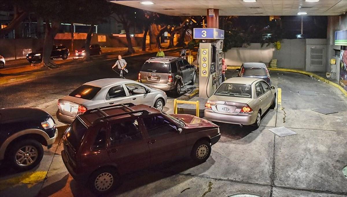 Venezuela'da benzin sıkıntısı: Uzun kuyruklar oluştu