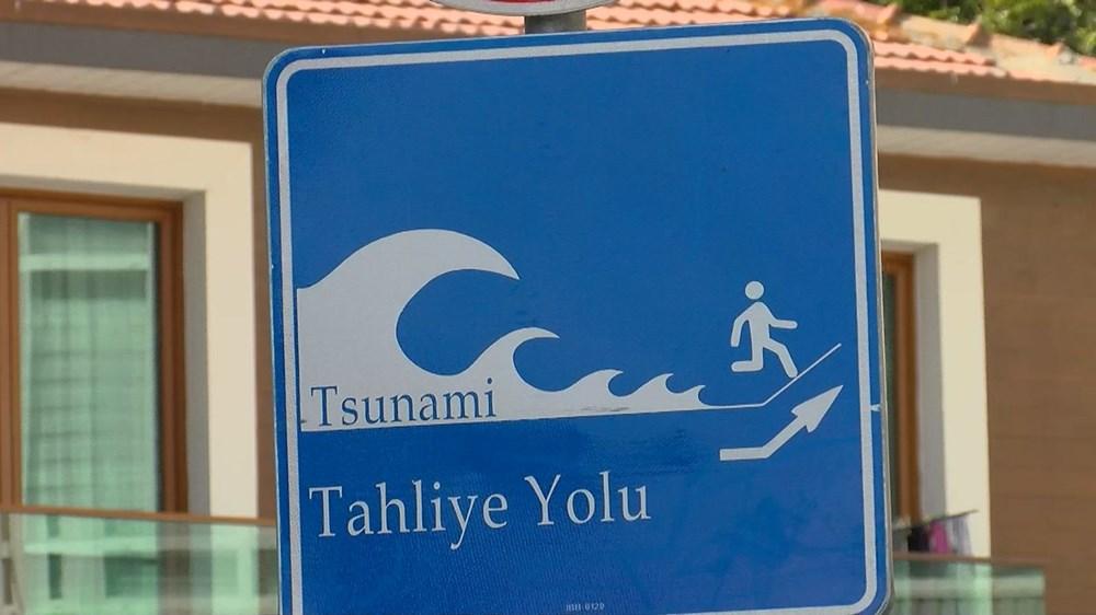 Tanda 'Lari dari tsunami' di Istanbul - 10