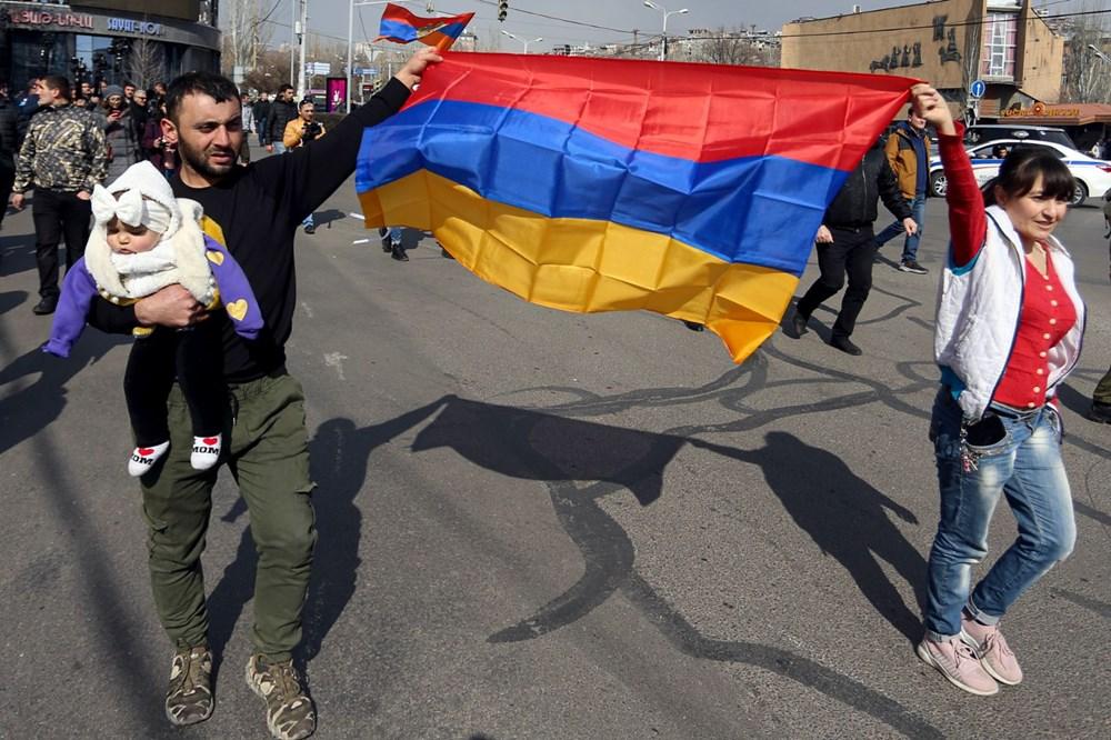 Ermenistan'da darbe girişimi: Paşinyan destekçileri ve karşıtları meydanlara çıktı - 17