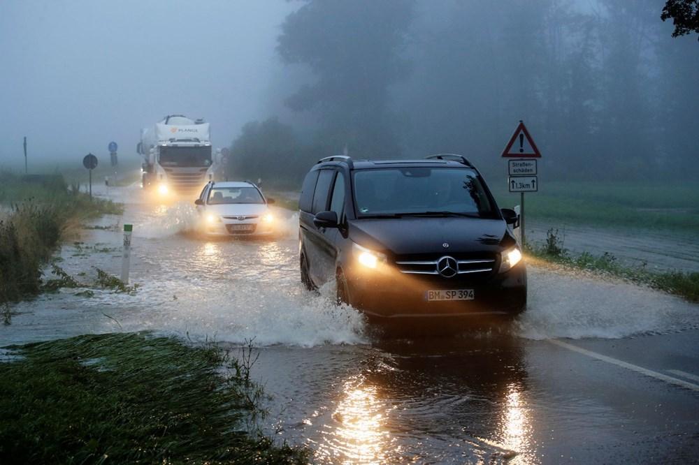 Almanya'da sel: 33 kişi hayatını kaybetti - 13