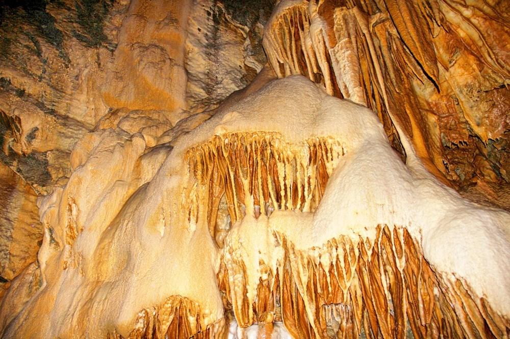 Kahramanmaraş'ın iki göllü Ericek Gümüşkaya Mağarası görenleri hayran bırakıyor - 2