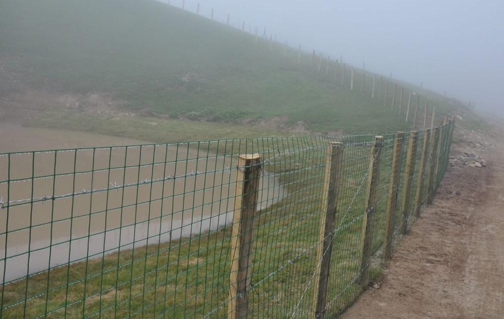 Balçıkla kaplanan Dipsiz Göl, tel örgüyle çevrildi - 3