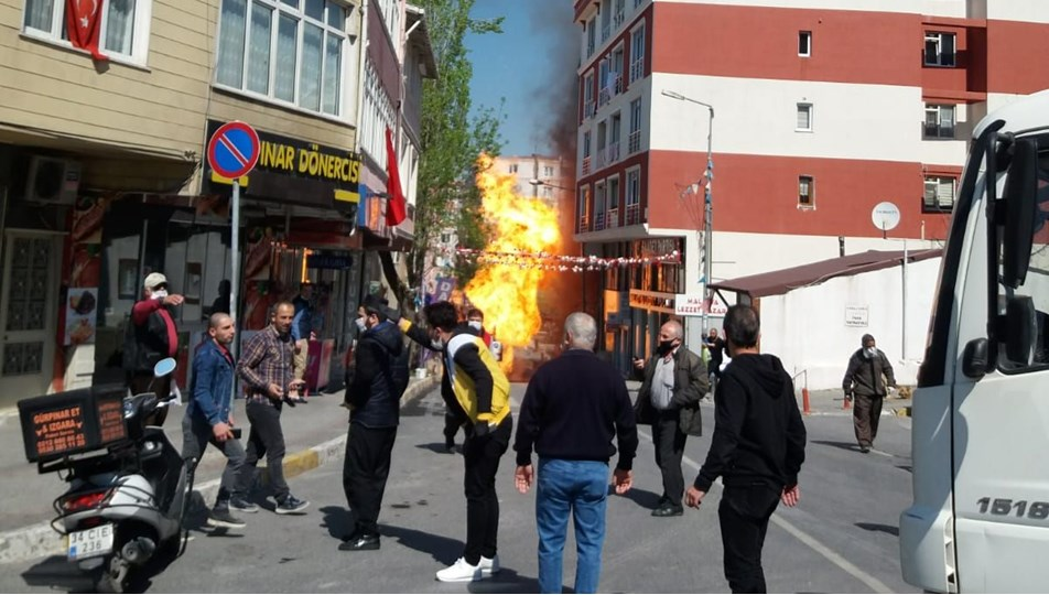 İstanbul'da doğalgaz borusunda patlama: Alevler metrelerce ...