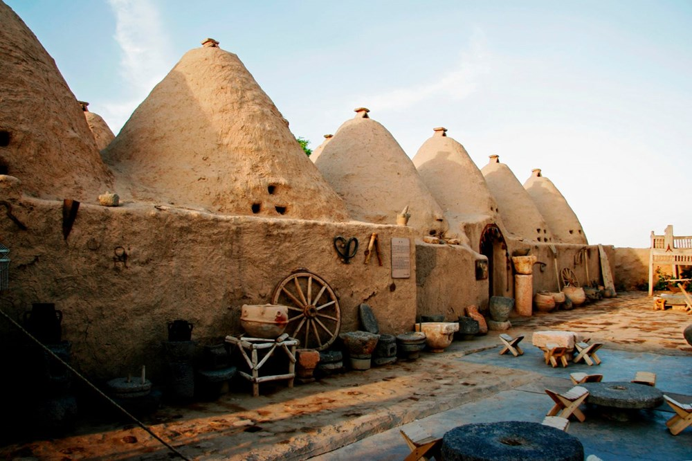 Harran's historical cupolas with their unique architecture - 8