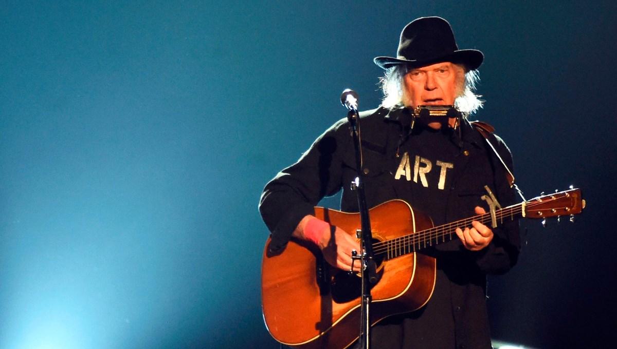 Neil Young, şarkılarının haklarını 150 milyon dolara sattı