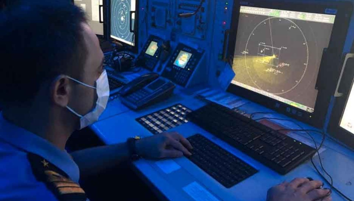 SON DAKİKA:Kaş açıklarında 45 kişinin olduğu tekne battı