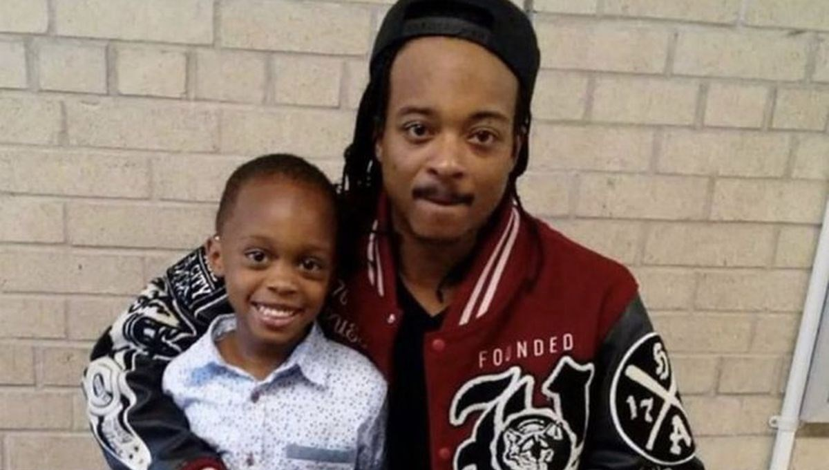 ABD'de polisin 8 kurşunla felç bıraktığı siyahi Jacob Blake'e hastanede kelepçeli tedavi