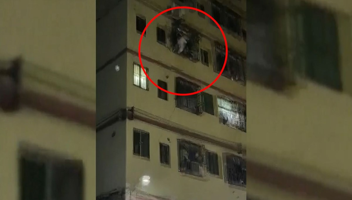 They saved the kid who fell from the 4th floor with a duvet