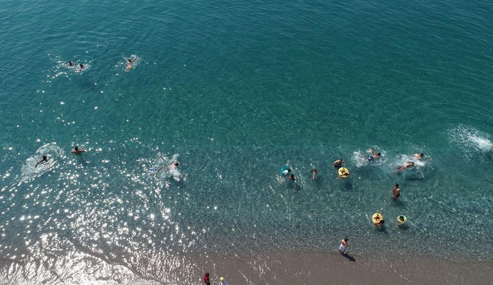 Van Gölü'nün mavi bayraklı plajına tatilci akını - 1