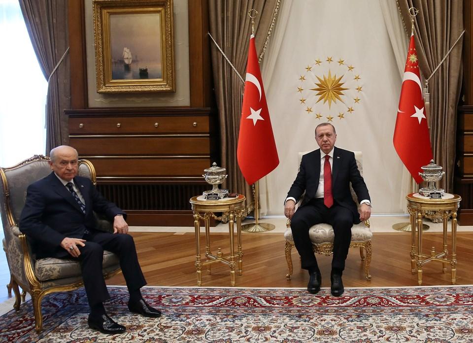 Erdoğan, Bahçeli ile Beştepe'de yarım saatlik görüşme gerçekleştirdi.
