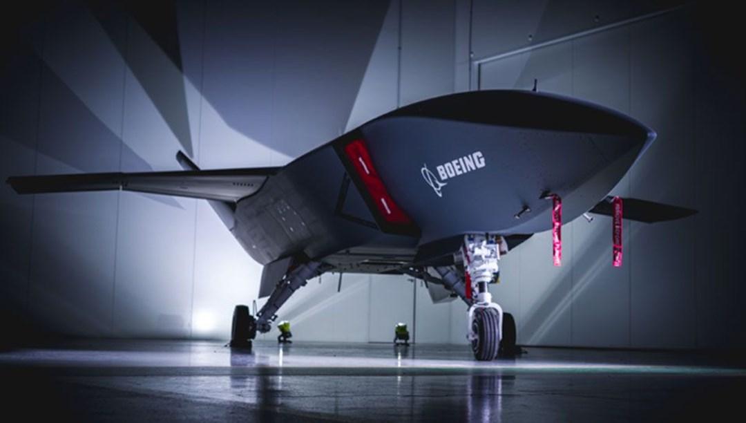 Boeing'in insansız savaş uçağı ilk uçuşunu yaptı