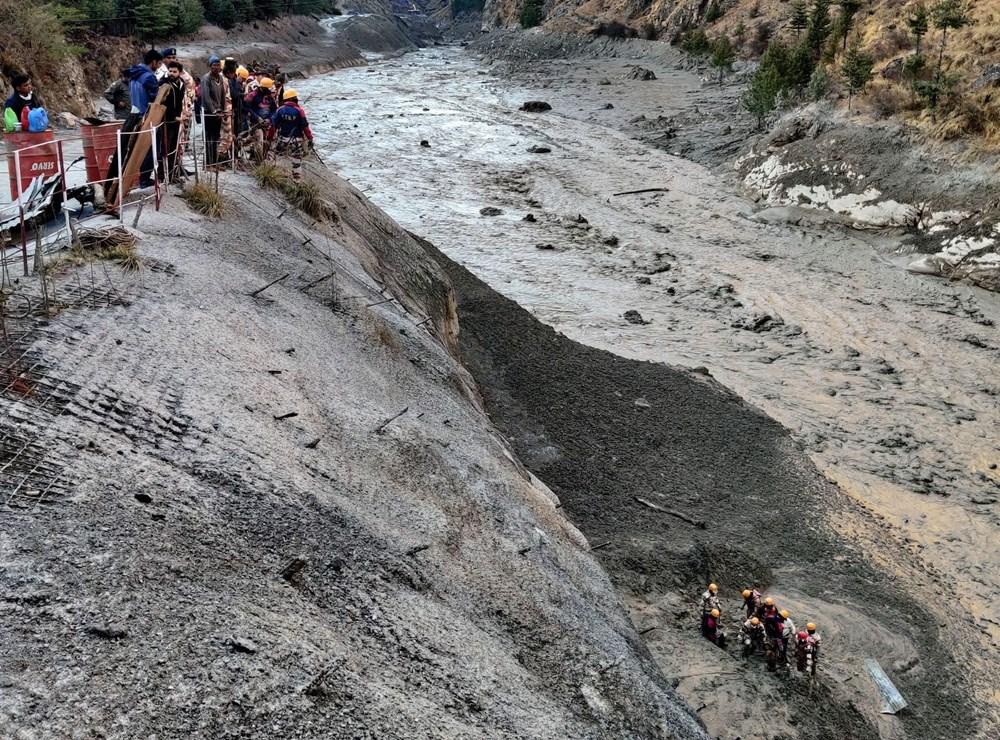 Hindistan'da nehre düşen buz kütlesi sele neden oldu: 170 kayıp, 14 ölü - 6