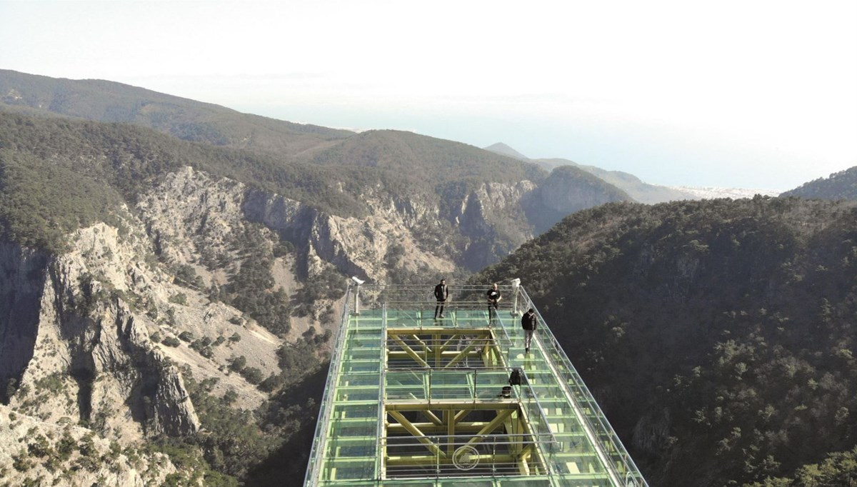 Glass observation deck to Kaz Mountains