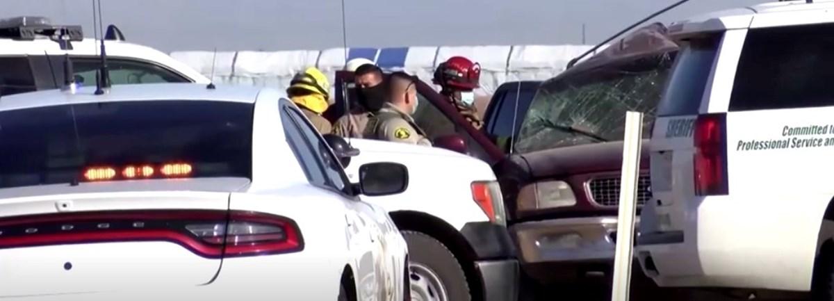 Kaliforniya'da minibüsle kamyon çarpıştı: 15 ölü