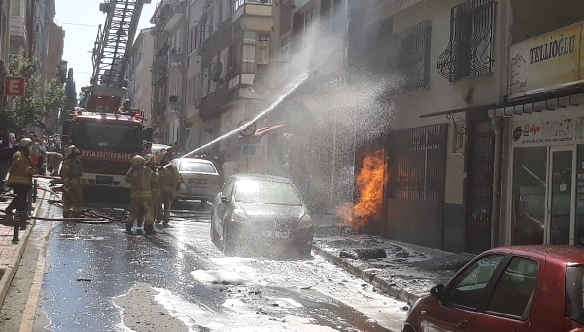 Üsküdar'da korkutan yangın: Alevler doğalgaz kutusuna sıçradı