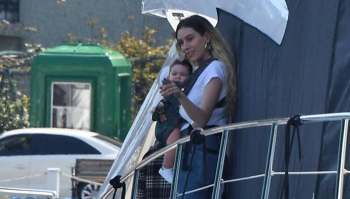Kenan İmirzalıoğlu ile Sinem Kobal'ın kızları Lalin ile Boğaz keyfi