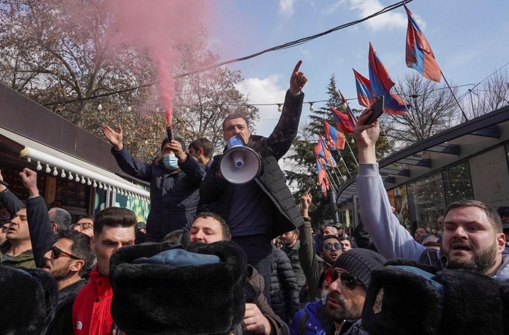 Ermenistan'da darbe girişimi: Paşinyan destekçileri ve karşıtları meydanlara çıktı - 8